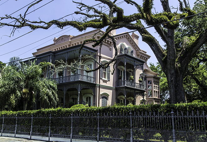 New orleans garden district debby faya in for Crawford house