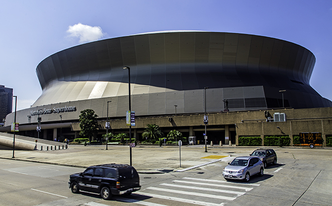 New orleans in louisiana eine hop on hop off tour debby for Mercedes benz superdome tours