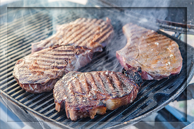 leckere Ribeye Steaks